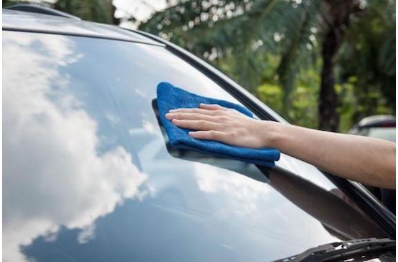 Чистое автостекло летом – это возможно